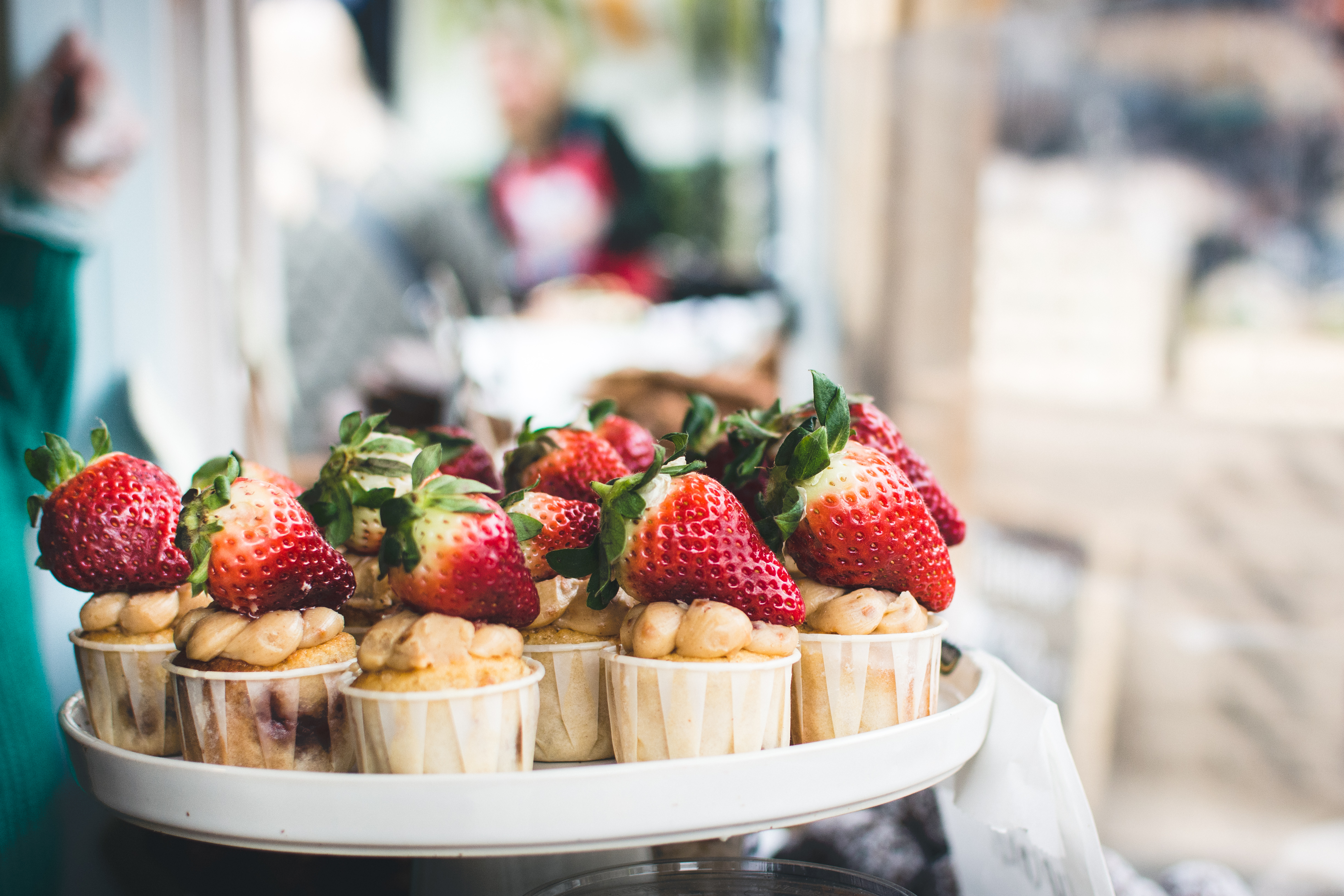 Cupcakes with strawberries on top