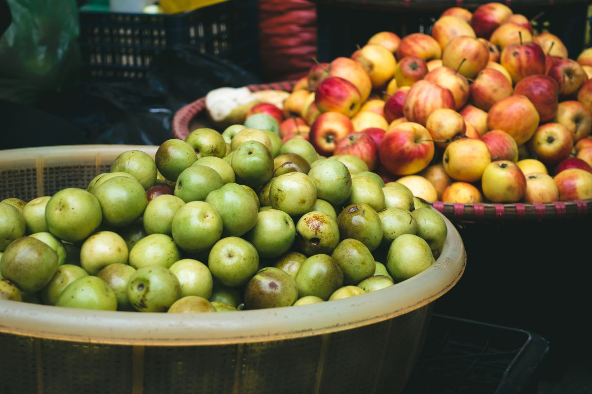 Small apples at a market