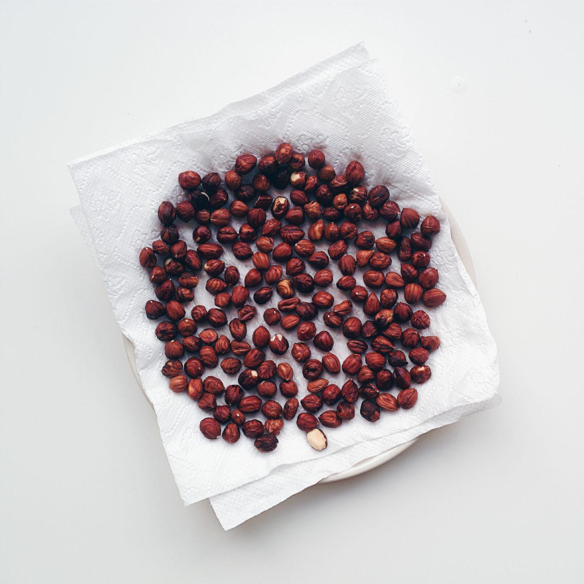 Drying hazelnuts